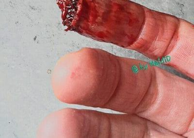 SFX Makeup, abgerissene Fingerspitze / Heidi Debbah Maskenbildnerin und SFX Artist