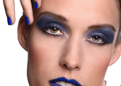 Werbeshooting,Portrait in blau / Heidi Debbah Visagistin und Hairstylistin