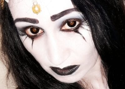 Extrem Makeup, schwarz weiß Makeup / Heidi Debbah Visagistin und Maskenbildnerin