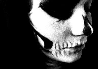Skull Makeup , Totenkopf geschminkt / Heidi Debbah Maskenbildnerin und Visagistin
